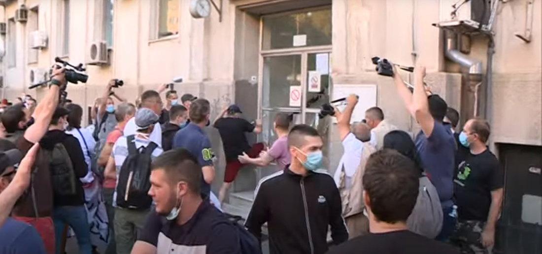 UNS: Pronaći odgovorne za napade, novinarima omogućiti nesmetan rad