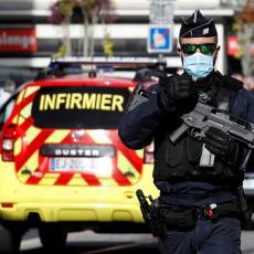 UPAD FRANCUSKIH POLICAJACA U CRKVU: Snimci mesta krvavog pira u Nici (VIDEO)