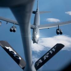 UPALIO SE CRVENI ALARM: Opasno odmeravanje snaga, američki bombarderi lete prema Persijskom zalivu, Iran spremno čeka