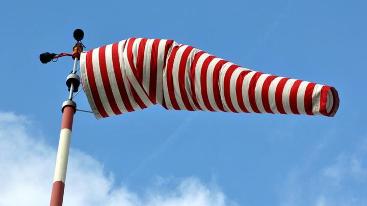 UPOZORENJE RHMZ na jak vetar i ORKANSKU KOŠAVU, temperatura do 18 stepeni!