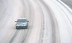 UPOZORENjE VOZAČIMA: Sneg, poledica i jak vetar na putevima