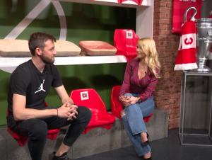 URNEBESNI NEMANJA MILUNOVIĆ: Pogledajte kakve to viceve priča Zvezdin fudbaler! (VIDEO)