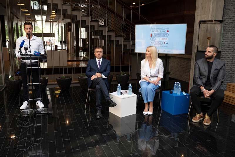 USAID i Ministarstvo kulture predstavili priručnike medijske pismenosti za roditelje, influenseri učili o sebi kao o medijima