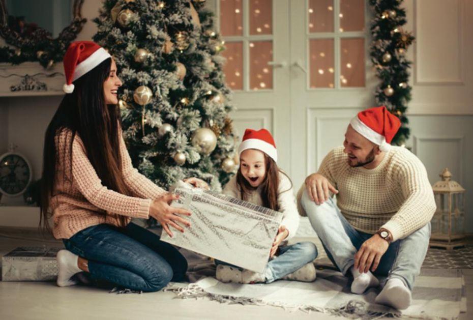 USPEH: Srbija zaradila 3,6 miliona evra od božićnih ukrasa