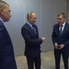 UVEK KAD ZATREBA - TU JE PUTIN! Pogledajte munjevitu reakciju ruskog predsednika (VIDEO)