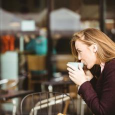 UVEK NASMEJANE I SVE STIŽU: Žene za koje često pomislimo svaka joj čast, drže se jednog lakog pravila