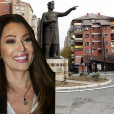 UZ NAROD KAD JE NAJTEŽE: Ceca sutra peva u Kosovskoj Mitrovici
