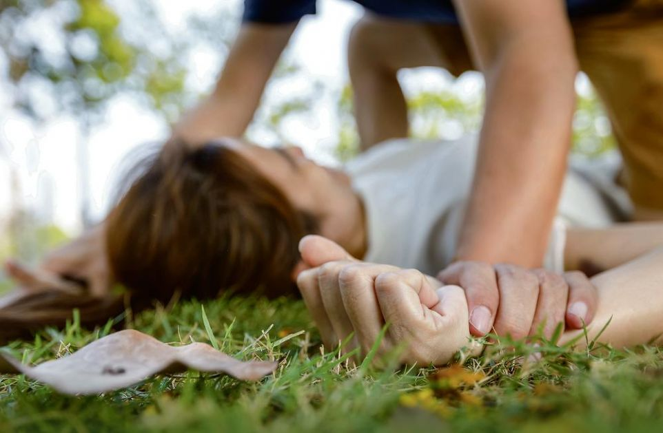 UŽAS NA ADI HUJI: Devojčica (10) suprotstavila se razbojniku (14), on je silovao!