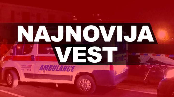 UŽAS NA PRUŽNOM PRELAZU KOD ŠAPCA: Teretni voz udario u automobil - Vozač poginuo na licu mesta