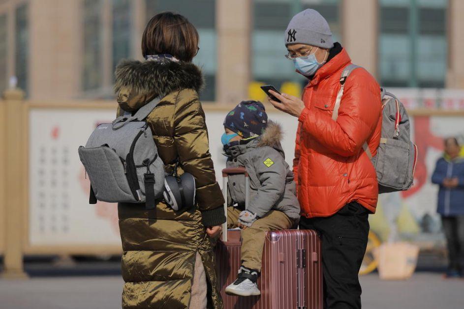 UŽAS OD RODITELJA: Napustili dvoje dece na aerodromu u Kini jer sin ima temperaturu!