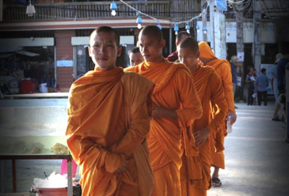 UŽAS! TROJE POGINULIH I 13 POVREŠENIH U KAMBODŽI: Srušio se budistički hram