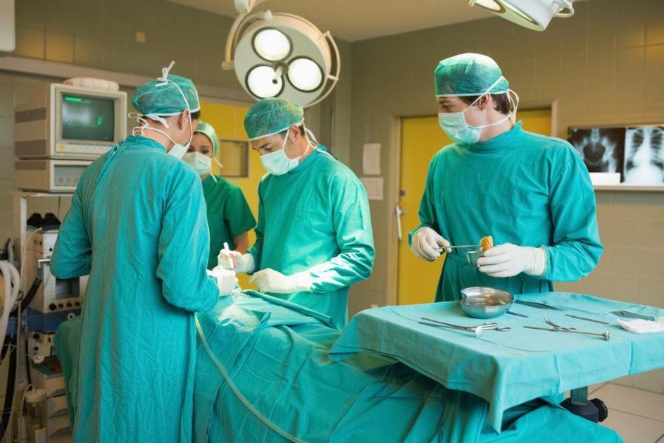 UŽAS U AUSTRIJSKOJ BOLNICI Pacijent preminuo nakon što je hirurg napustio operaciju i otišao na smenu u privatnu kliniku