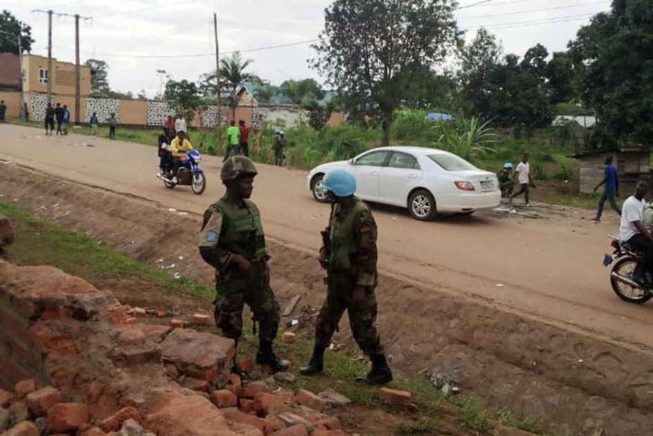 UŽAS U KONGU: Islamski ekstremisti ubili najmanje 22 ljudi, vlasti kažu da je situacija pod kontrolom!