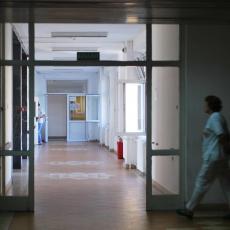 UŽAS U NIŠU: 11. žrtva malih boginja u Srbiji, žena NEDELJAMA bila na aparatima za disanje