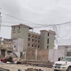 UŽAS U SOMALIJI: Eksplodirao automobil-bomba, čula se i razmena vatre (FOTO/VIDEO)