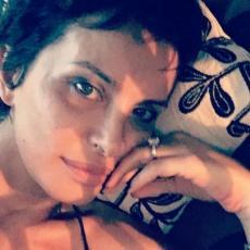 UŽIVA U KOMFORU! Elena Karaman GRADI KUĆU na Kosmaju, a POGLEDAJTE u kakvom STANU trenutno ŽIVI! (FOTO)