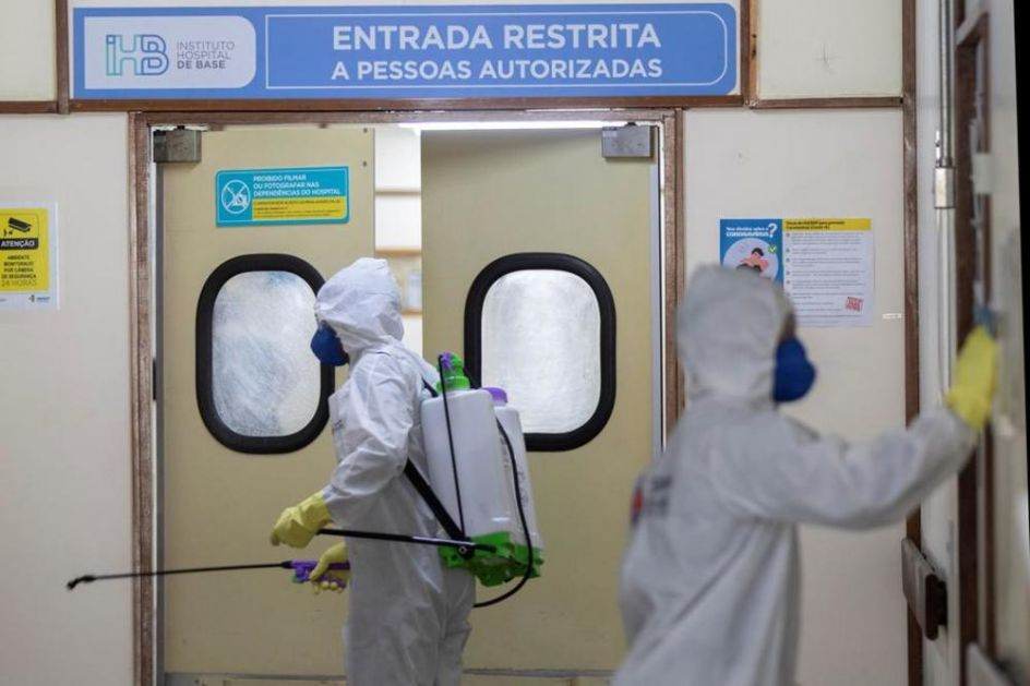 (UŽIVO) BORBA SA KORONOM: U Brazilu više od 300.000 zaraženih, na aerodromima u Turskoj testiranje onih koji nemaju test