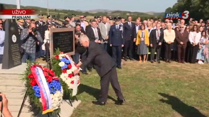 UŽIVO NA PINK3 I PINK.RS - VUČIĆ NA OBELEŽAVANJUOPERACIJE HALIJARD -Dan kada su Srbi spasili 500 savezničkih pilota (FOTO+VIDEO)