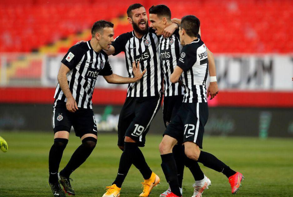 NATHO U FINIŠU SA KREČA ZA TRI BODA: Partizan protiv Spartaka nastavio niz, Lazar Pavlović postigao prvi gol za crno-bele VIDEO