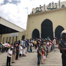 UZNEMIRUJUĆI PRIZOR POKOLJA: Sav užas masakra u džamiji stao je u JEDNU POTRESNU FOTOGRAFIJU (FOTO)