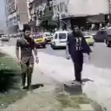 (UZNEMIRUJUĆI VIDEO!) Pokolj na ulicama Damaska! Džihadisti gađali veliku grupu ljudi!
