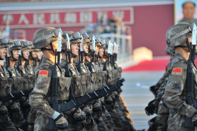 Ubica nosača, moćne rakete i nevidljivi dronovi na velikoj vojnoj paradi