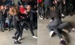 Učenice se brutalno tuku oko dečka dok rulja navija: Isplivao šokantan snimak ispred škole (VIDEO)