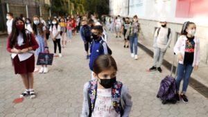 Učenici u Izraelu neće moći da udju u školu bez negativnog testa