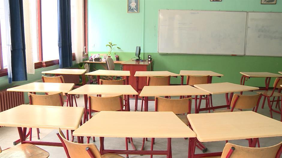 Učenik doneo školski metak u razred, prasak u učionici