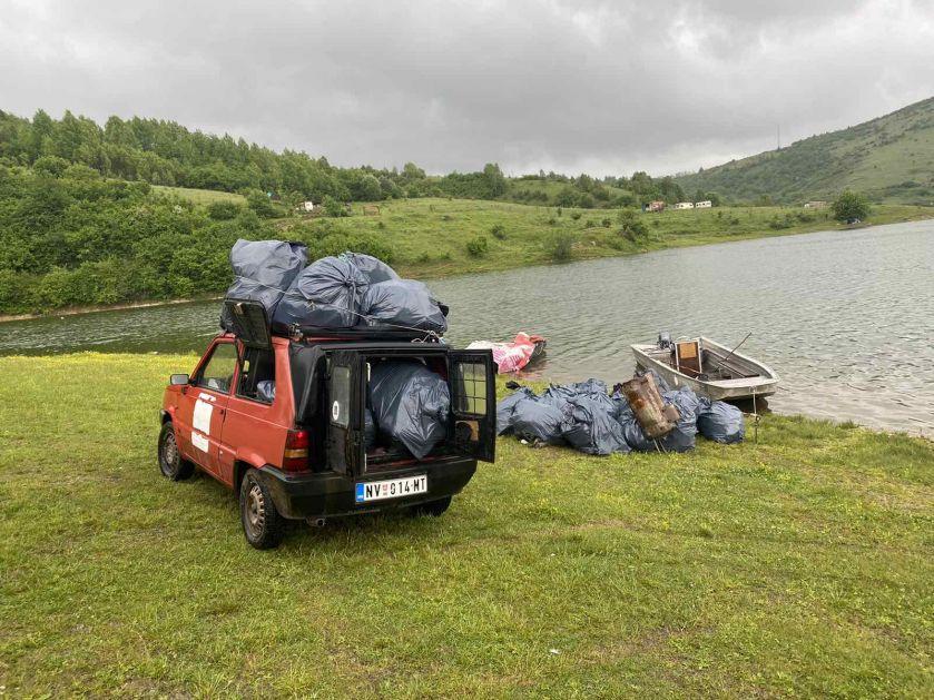 """Udruženje """"Vapa"""" iz organiziralo akciju čišćenja obale Sjeničkog jezera"""