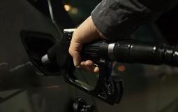 Udruženje naftnih kompanija: Benzin i dizel u julu poskupeli pet dinara po litru