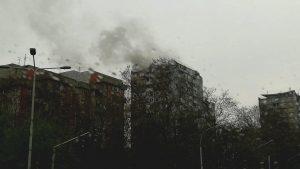 Ugašena vatra u soliteru na Novom Beogradu, stanari evakuisani