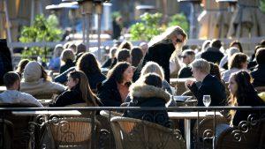 Ugostitelji u Čačku protestovali zbog ograničenja rada u vanrednoj situaciji