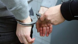 Uhapšen građevinski inspektor, tražio 2.000 evra mita za legalizaciju restorana