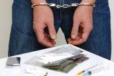 Uhapšen zbog prodaje droge skrivene na splavu