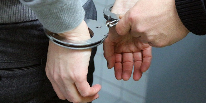 Uhapšen zbog krađe novca i lančića