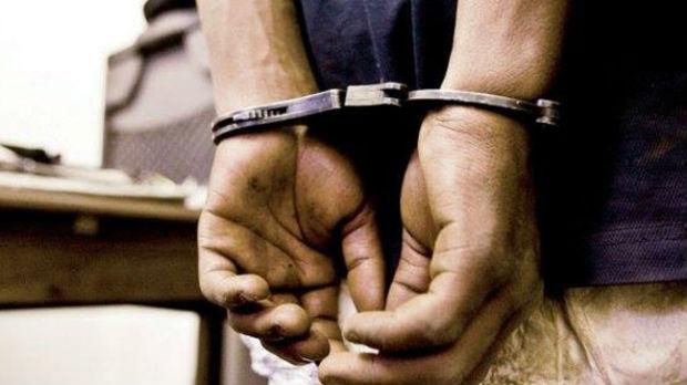 Uhapšen zbog sumnje da je bacio molotovljeve koktele pod automobile