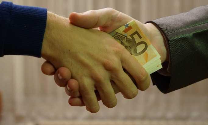 Uhapšeni Srbin i Albanac, zajedno primali i davali mito