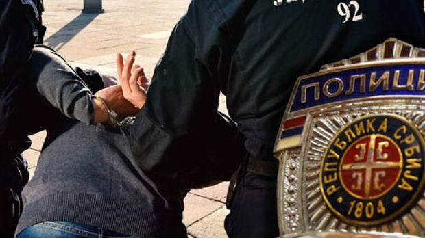 Uhapšeni zbog sumnje da su obili stan i ukrali nakit