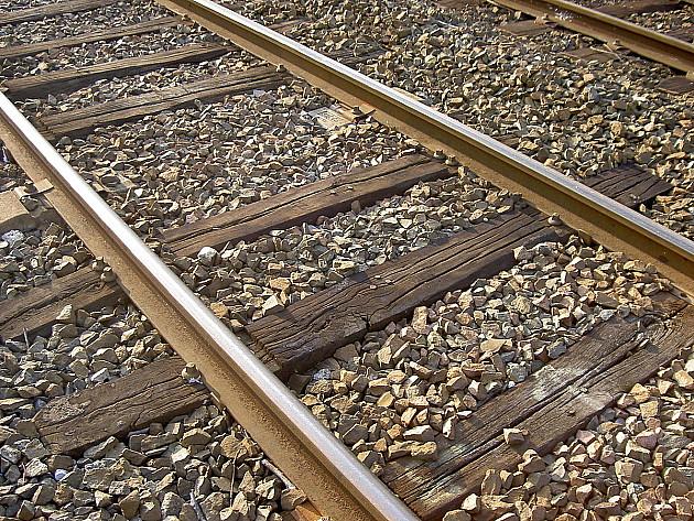 Uhvaćen nakon krađe delova sa gradilišta pruge u Petrovaradinu