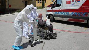 Ujedinjeni protiv kovida: Priznanje Kona dokaz da Krizni štab nije dobro vodio državu kroz pandemiju