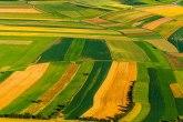 Ukidaju moratorijum na prodaju poljoprivrednog zemljišta, za kupce iz inostranstva referendum
