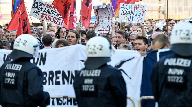 Ultradesničarski protest protiv migranata u Kemnicu
