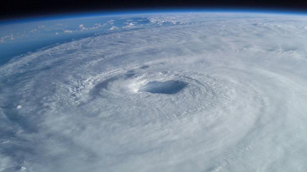 Upozorenje na tropsku oluju u Japanu, savetuje se evakuacija za 300.000 ljudi