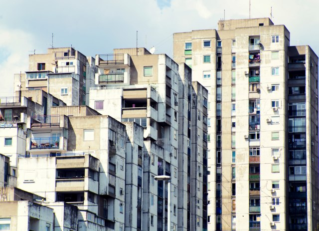 Upravnici zgrada na mukama: Bacaju licence