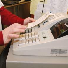 Uređaj koji će morati da ima svaka fiskalna kasa u Srbiji: Liči na mobilni telefon i košta oko 400 evra