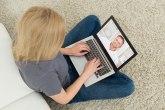 Usamljena Evropa: Trećina ispitanika ima više samopouzdanja na internetu nego uživo