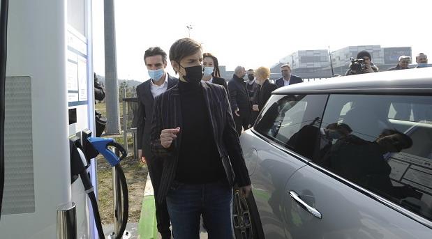 Uskoro naplata struje za punjenje električnih automobila