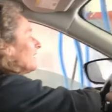 Ušla je u mašinu za automatsko pranje kola - tada se setila da joj je POKVAREN PROZOR! (VIDEO)