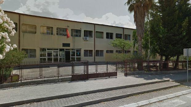 Uslovni otkaz učiteljici iz Bara zbog trobojke